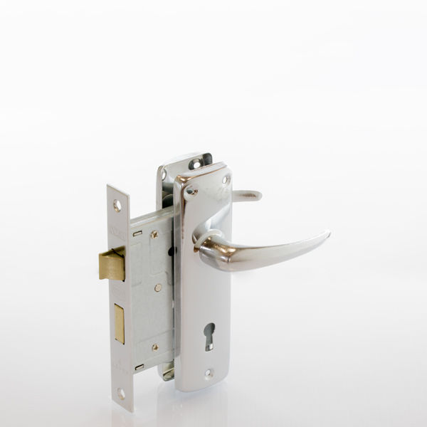 group_4_lever_locks_and_handles